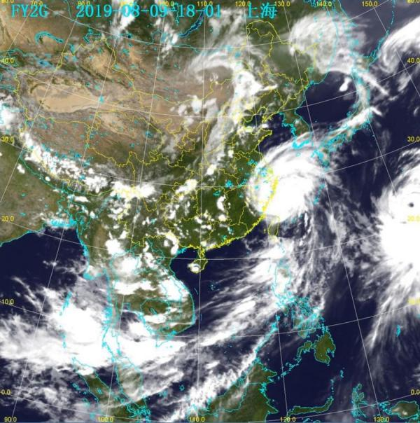 上海各级防汛部门24小时值班战台风,已转移撤离6.9万人
