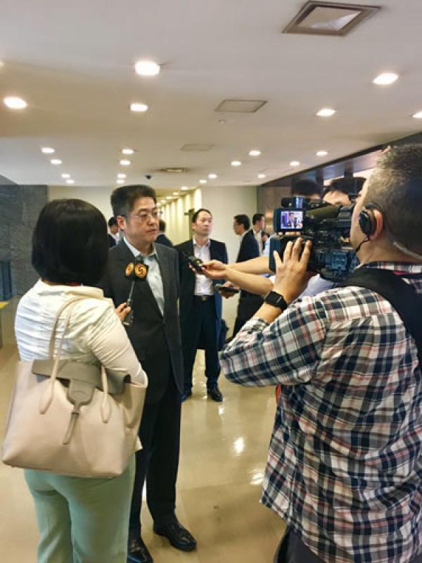 外交部副部长乐玉成:中日不要相互较量,要相互照亮