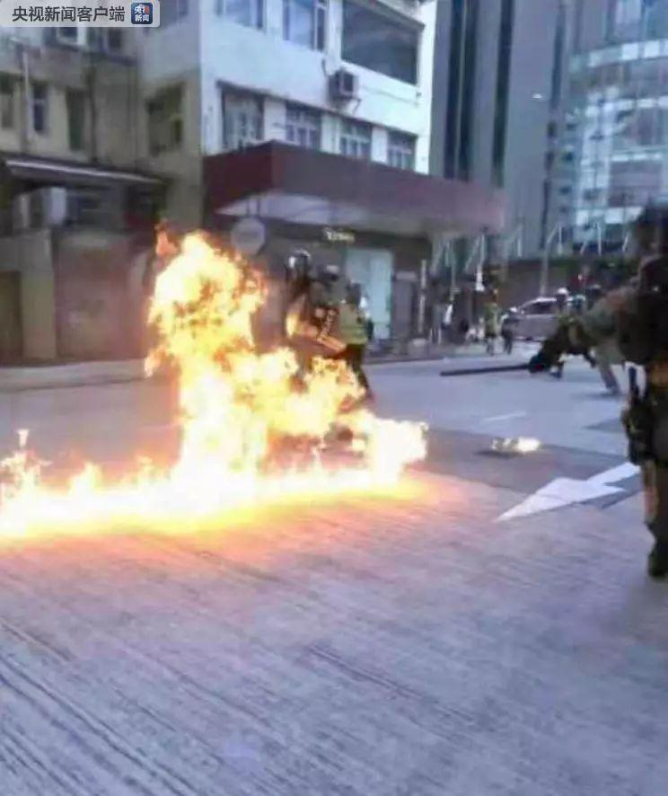 【视频】同声同气撑港警!柳州
