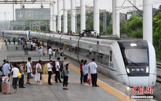国家统计局:70年交通运输能力连上台阶,高铁里程世界第一