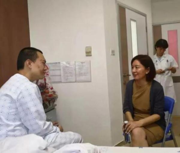 香港中联办积极指引香港机场滞留旅客并协助解救被困同胞