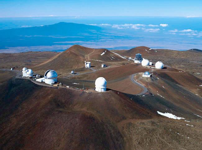"<b>最牛光学望远镜建设遇阻,天文学家与夏威夷原住民抢""圣山""</b>"