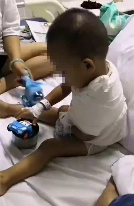 内蒙古一2岁半幼童五楼坠落 头上身上全是血