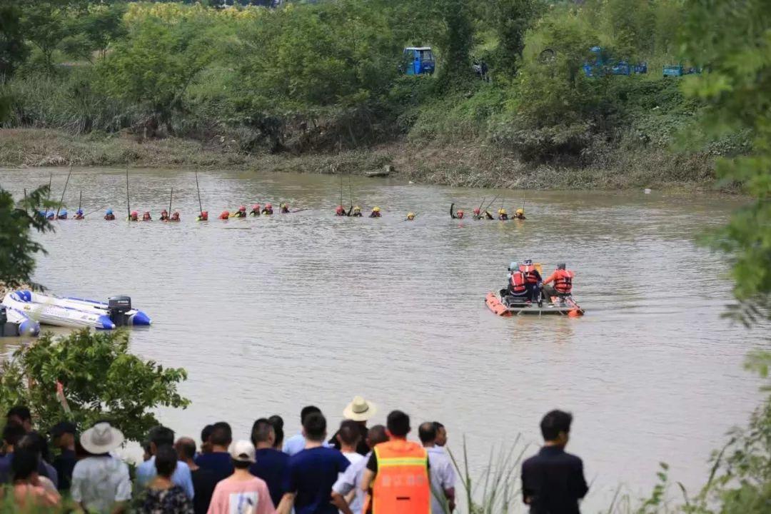 <b>浙江安吉一90后消防队员牺牲:救起一名落水者后被急流卷走</b>