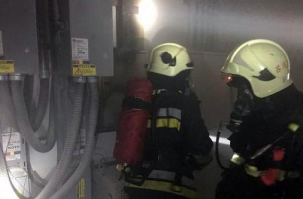 台北故宫南院机房变电箱起火,所幸文物未受影响