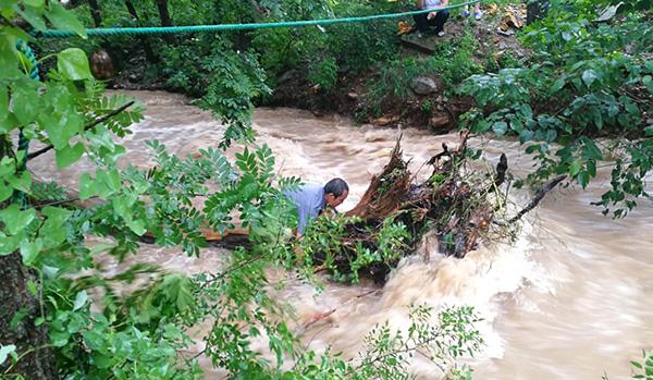 """""""利奇马""""影响逐渐减弱,山东抓紧开展强降雨后的抢险救灾"""