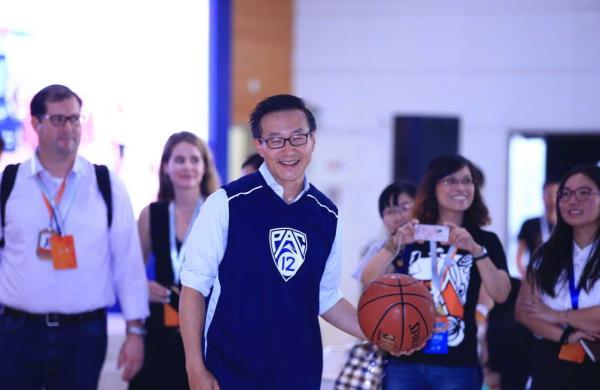 NBA有了首位华裔老板,蔡崇信重金收购篮网究竟为哪般