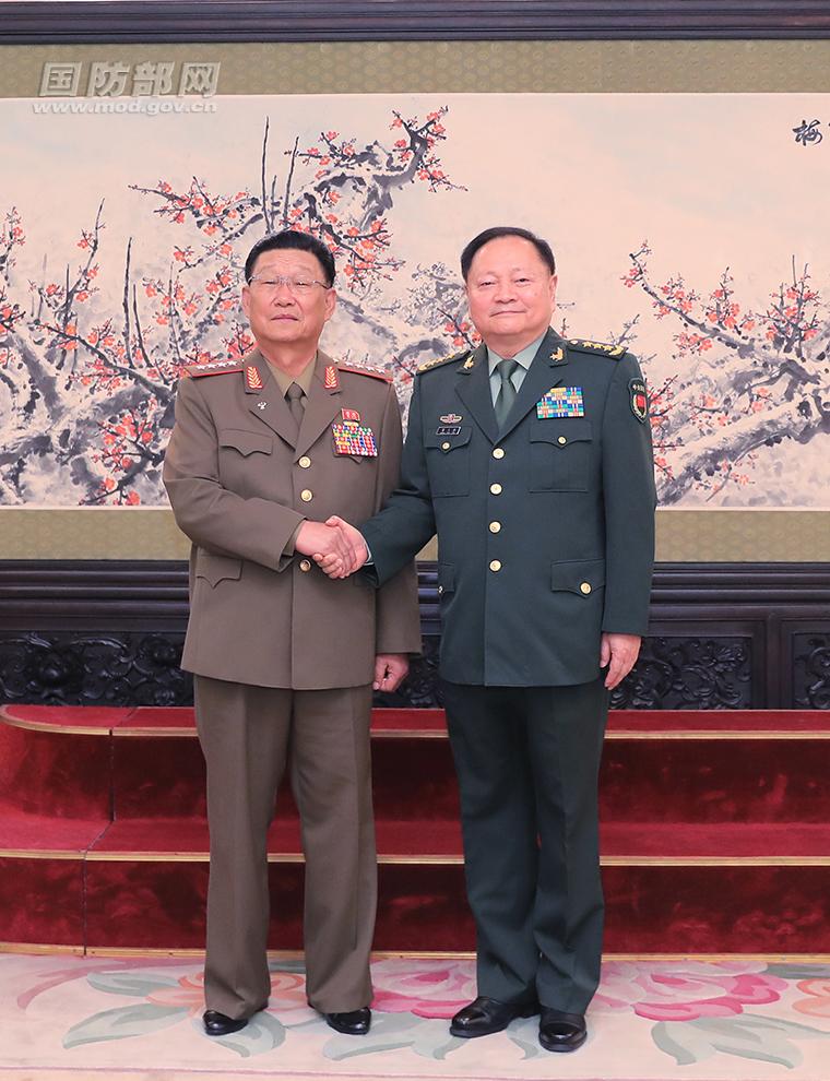 张又侠会见朝鲜人民军总政治局局长金秀吉