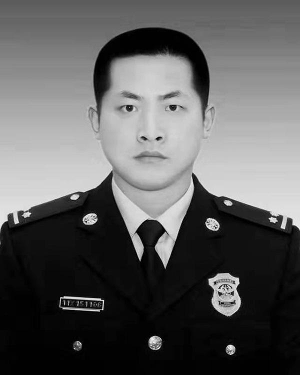 营救群众牺牲,浙江安吉90后消防员吕挺被应急部批准为烈士
