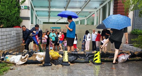 """山东近9万人因""""利奇马""""转移,潍坊雨量已超去年""""温比亚"""""""