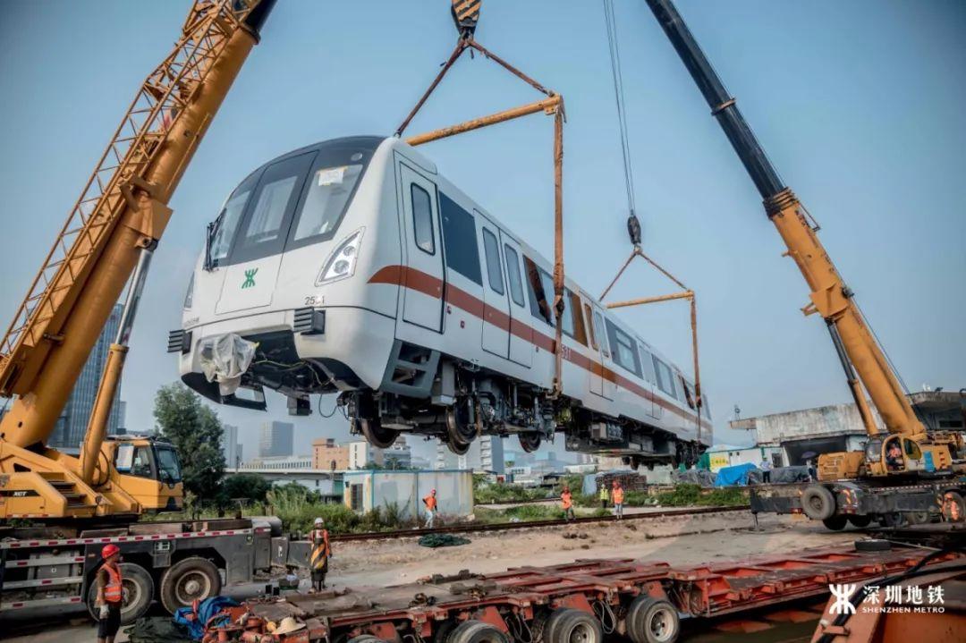 """2号线东延线""""首列车""""来啦!明年坐地铁可直达梧桐.图片"""