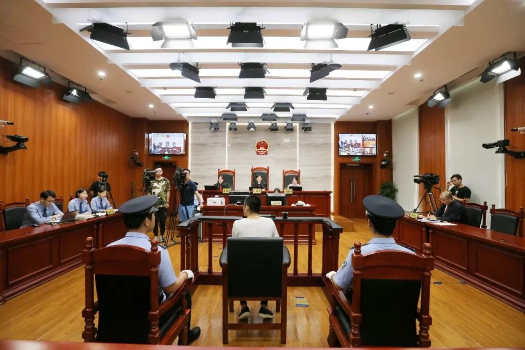 """模仿韩剧跳海骗补偿,""""掉踪船员案""""宣判:船员获刑9年"""
