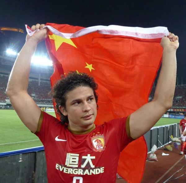 体坛联播|艾克森发文:我是中国人,我要回报中国对我的爱