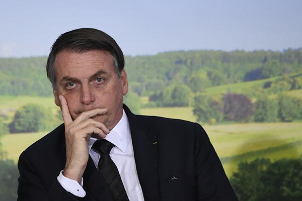 巴西总统拒收2000万美元援助,大骂G7将巴西视为殖民地_亚博