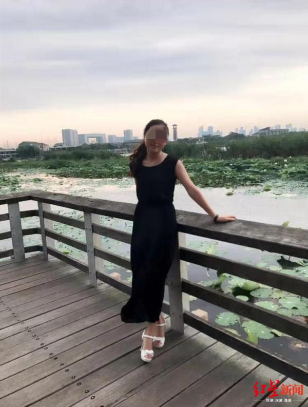 江苏一女子蹊跷坠河身亡:家属悬赏1万寻目击者,警方已介入