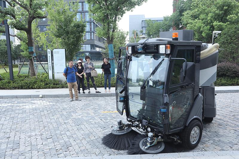第二代无人驾驶环卫车