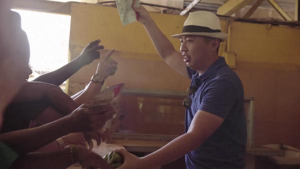 在古巴菜市以物换物 视频截图