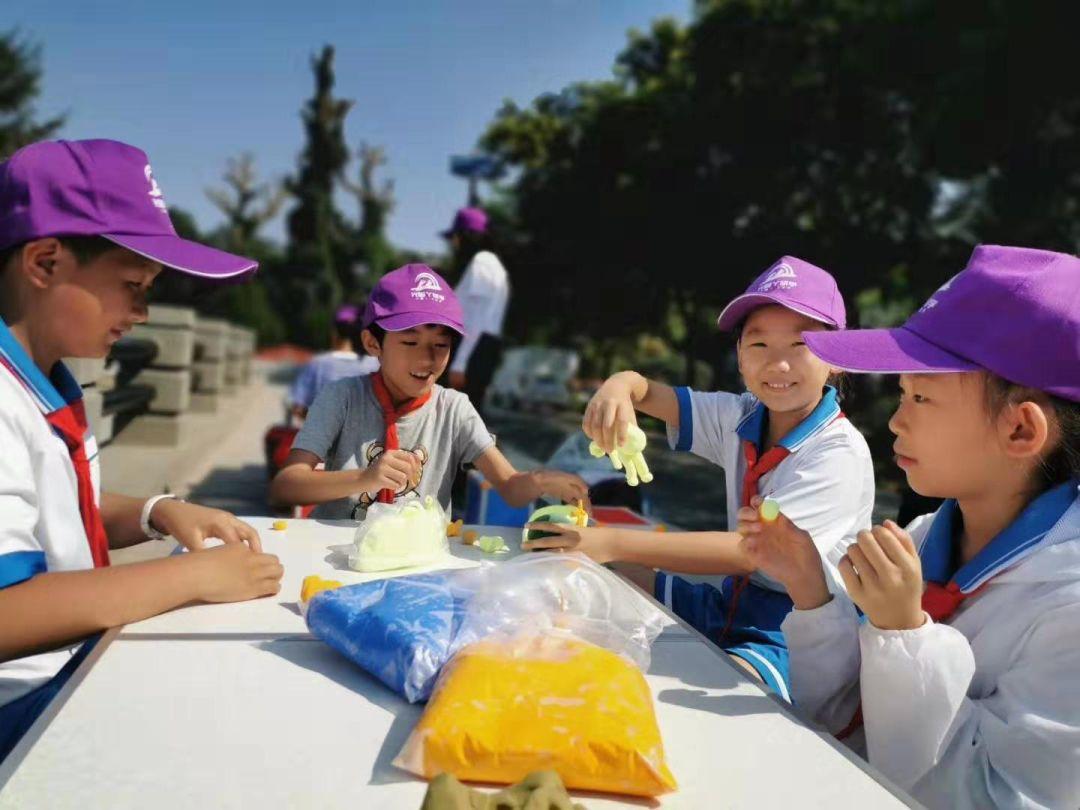 武威师范附属小学组织学生在武威雷台汉文化博