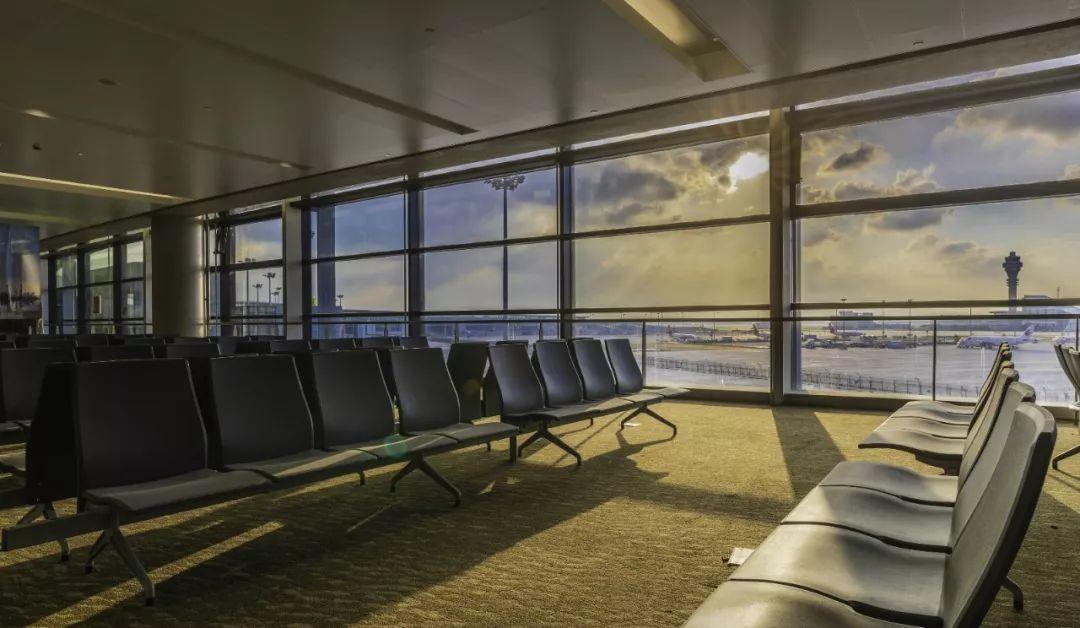 浦东国际机场卫星厅候机厅空侧无障碍大视野
