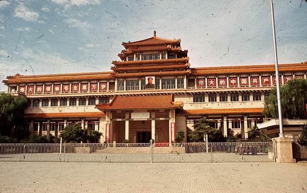 """城市地标 中国美术馆:中国现当代美术的""""世界之窗"""""""