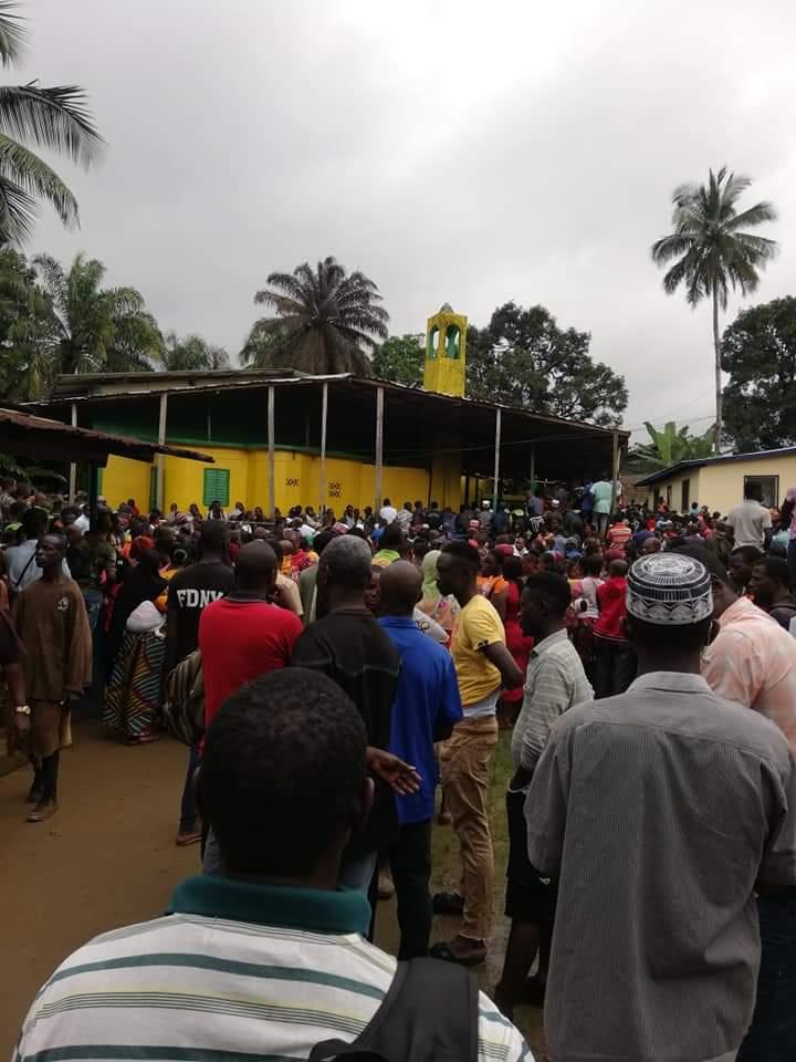 利比里亚一学校发生火灾,已造成28人死亡
