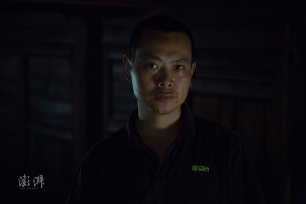 陈水明 ,桐木人,制茶师。