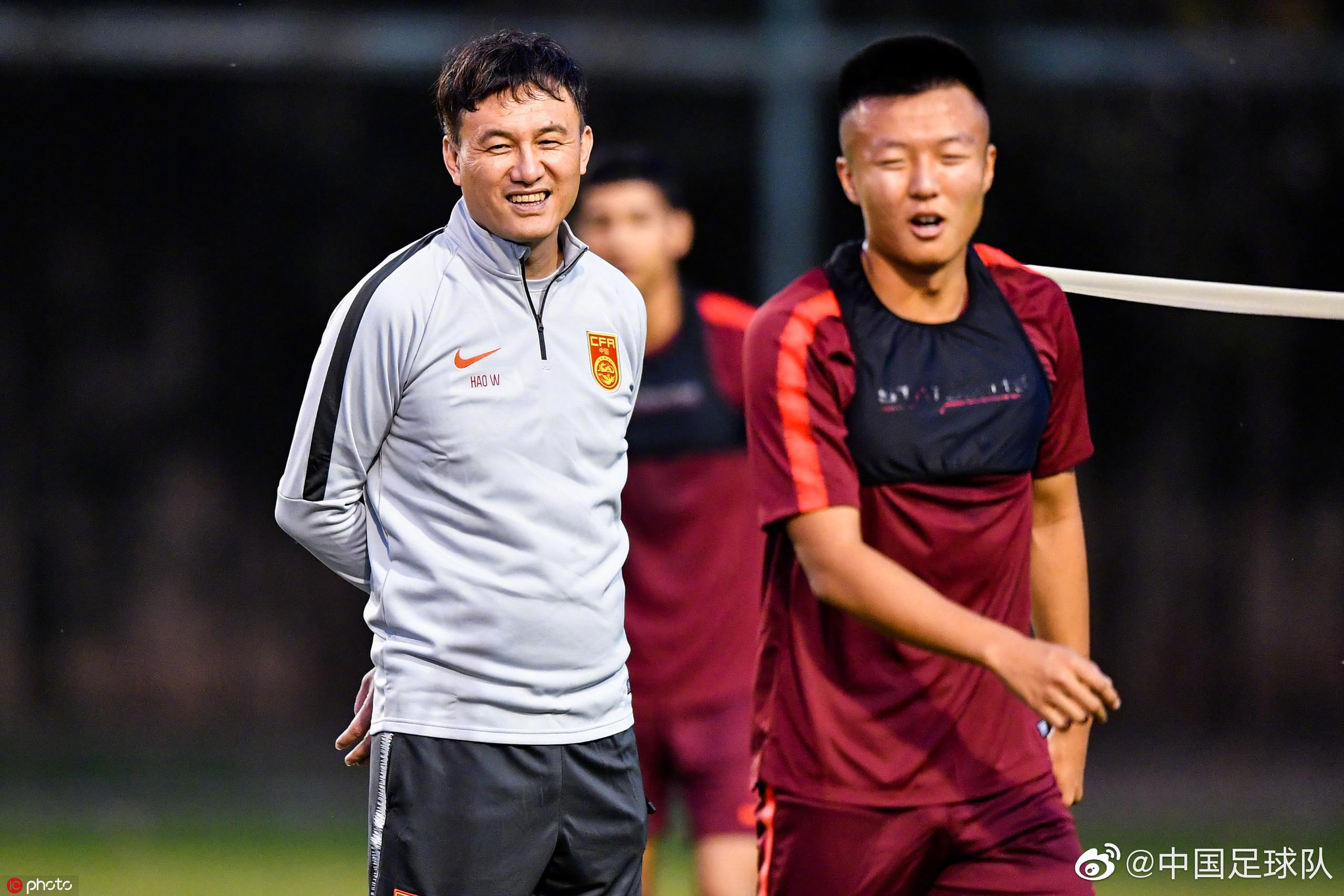 体坛联播|梅西联赛出场又受伤,中国女篮迎亚洲杯开门红