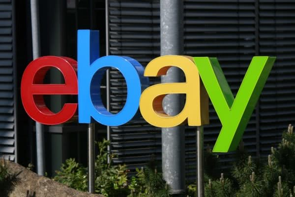 eBay现任CEO Devin Wenig去职,eBay任命公司高级副总裁、首席财务官(CFO)Scott Schenkel为临时首席执行官(CEO)。