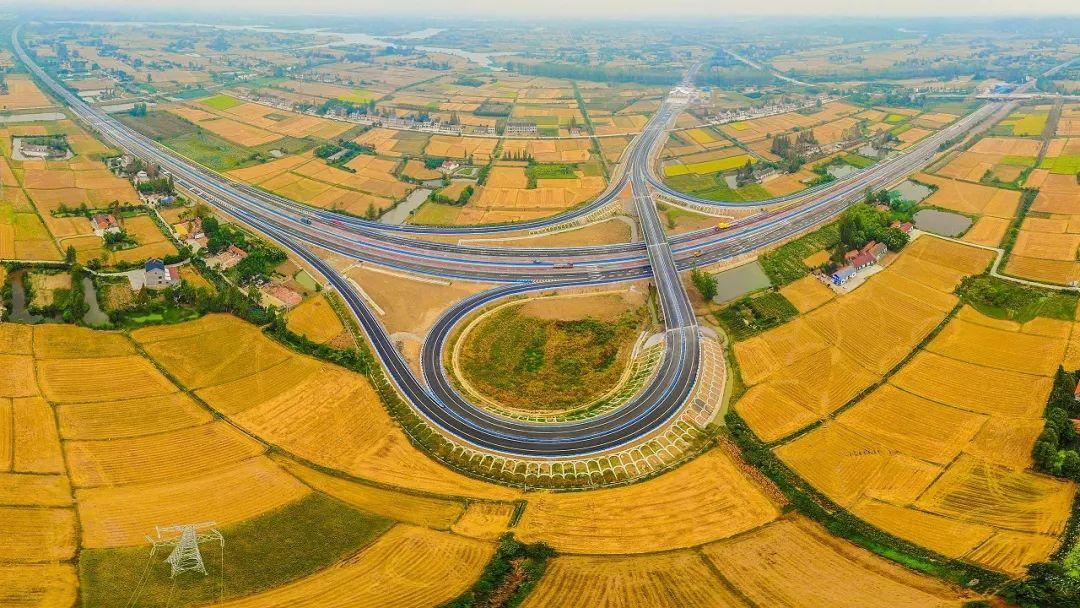 是宜昌,荆州和荆门3市的一条快速通道,设置为a型喇叭互通,将互通的图片