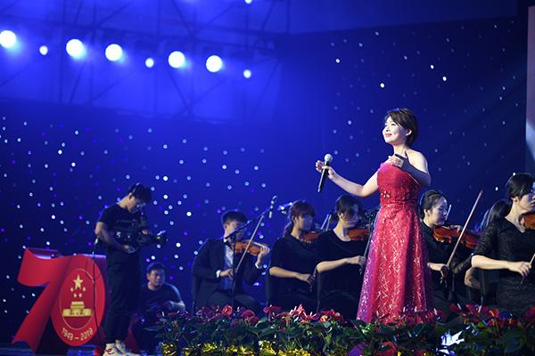 可爱的中国,奋进的上海|党课让家国情怀在师生心中内化升华