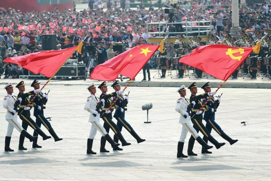 这是仪仗方队接受检阅。新华社记者 袁满 摄