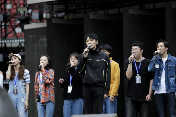 """2019""""好声音""""总决赛之夜:温暖励志的歌声将在"""