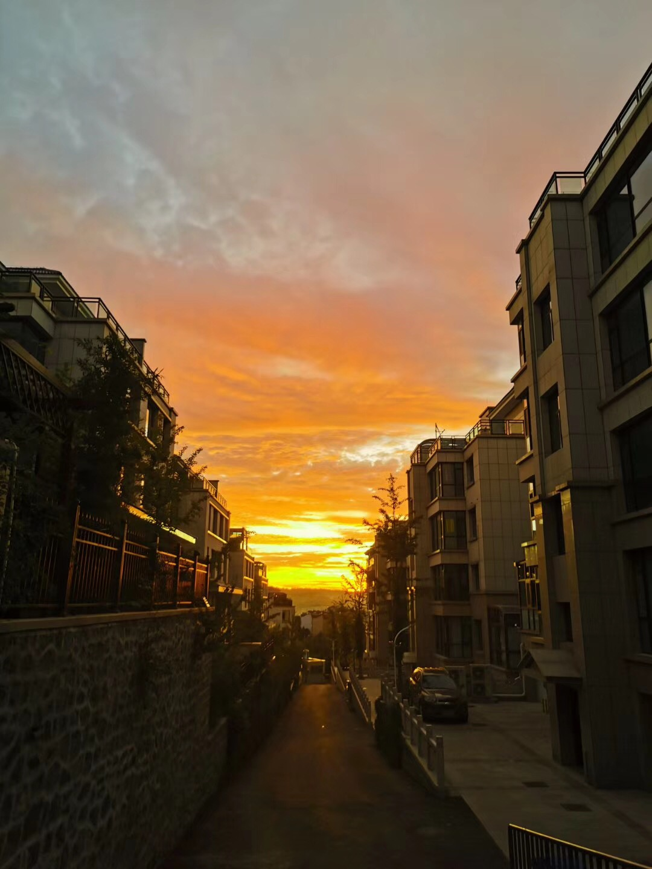 @澎湃网友 山城的晨光