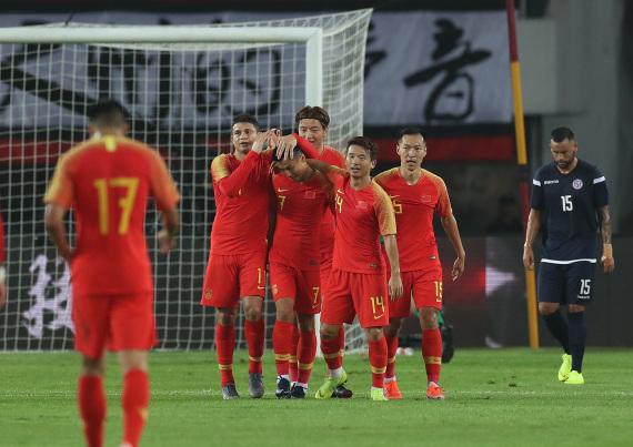 武磊庆祝进球。 本文图片 新华社