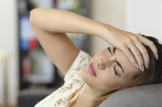 頭痛 妊娠 中 偏