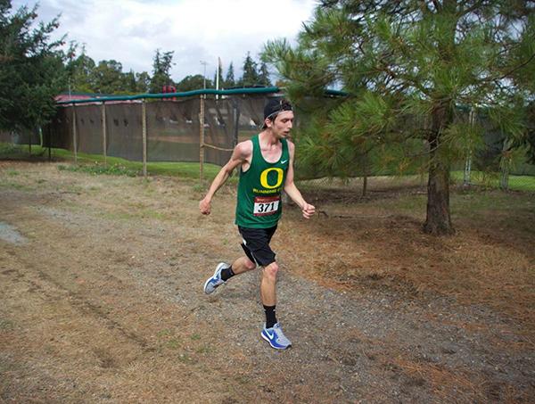 脑瘫跑者4小时49分征服马拉松,基普乔格都为他送上祝福