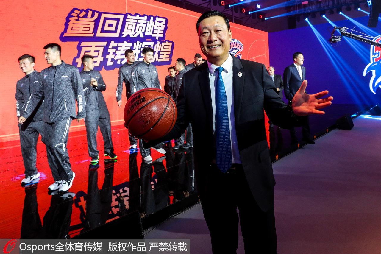 多元化形象!上海男篮进入久事时代,这才是职业球队的模板