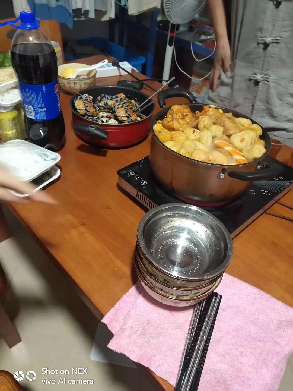 当晚,共有5人聚餐,刘某喝酒后头晕