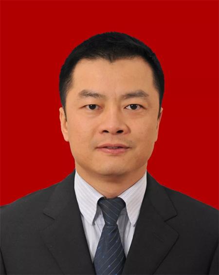 尹念红当选为四川崇州市人民政府市长