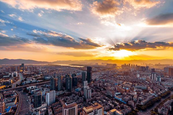 云南前三季度GDP12971.85亿元,同比增长8.8%
