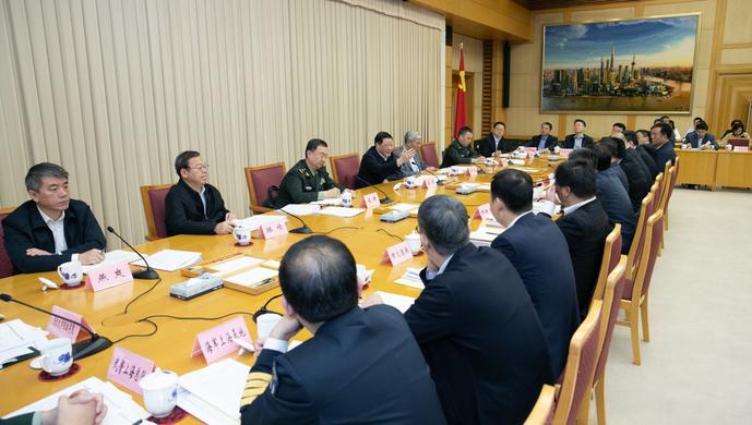 这个会上,应勇市长要求巩固军政军民团结、服务部队练兵备战
