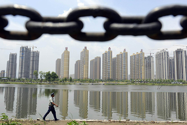 在加强房地产业融资监管的背景下,大小房企均面临融资难、融资成本走高等困境。