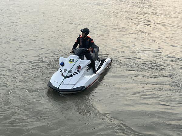 """水上摩托艇、水下机器人……港航公安保障进博会有""""黑科技"""""""