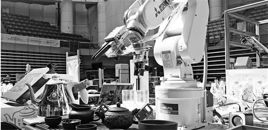 浙大学生研发茶道机器人,不仅会泡茶还能唱小曲
