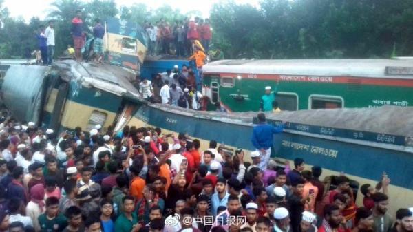 孟加拉国两列火车相撞,至少14人死亡40人受伤