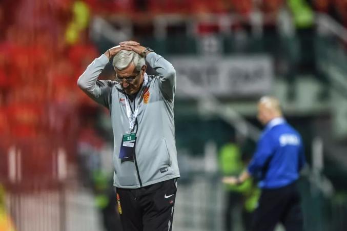 国足输了,里皮又辞职了!