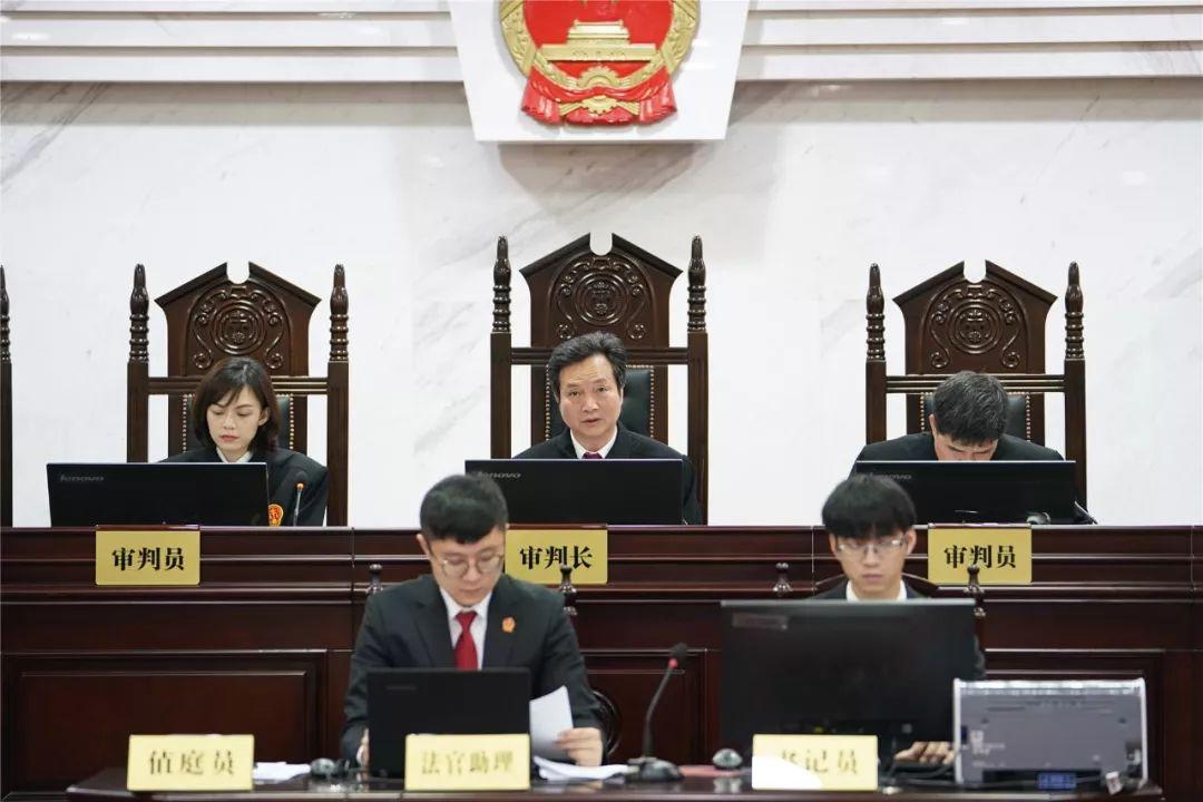 南宁市中级人民法院院长张培健担任审判长