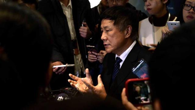 张燕生在2019创新经济论坛接受记者采访。 经济日报 图