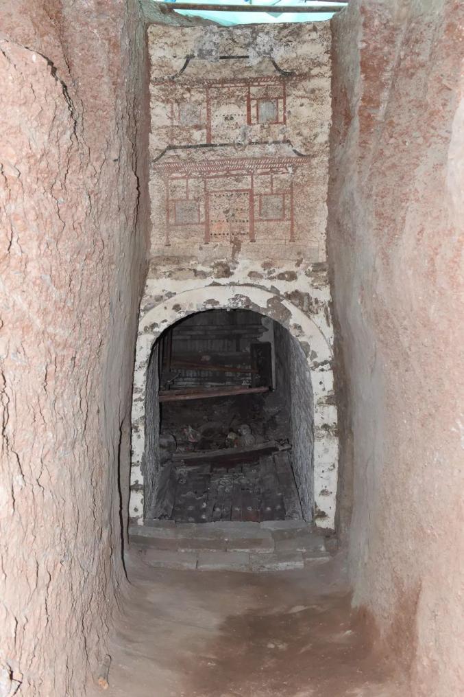 甘肃发现王族墓葬 墓内图片曝光墓主是谁?