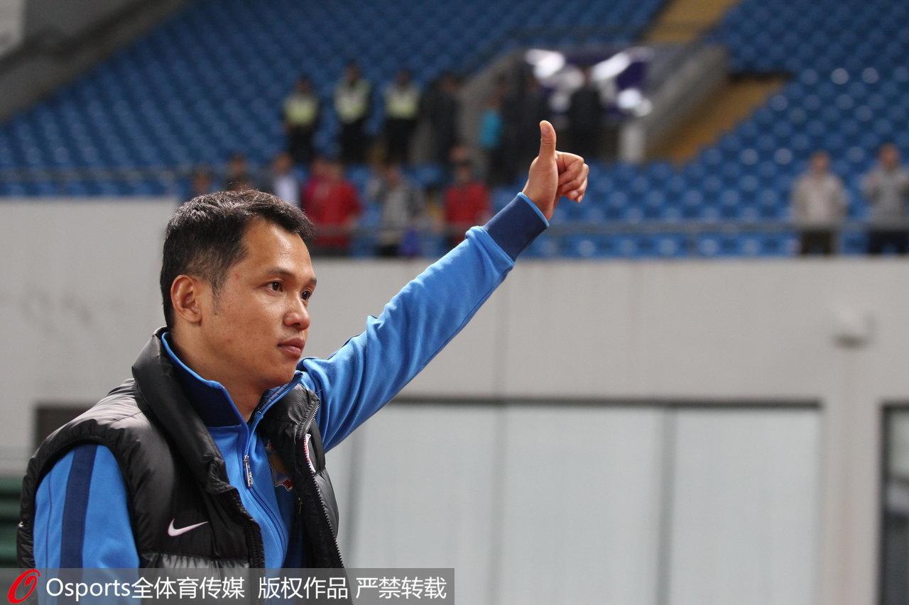对话|申鑫主帅朱炯:踏实踢球,老实做人,在中国足坛太难了